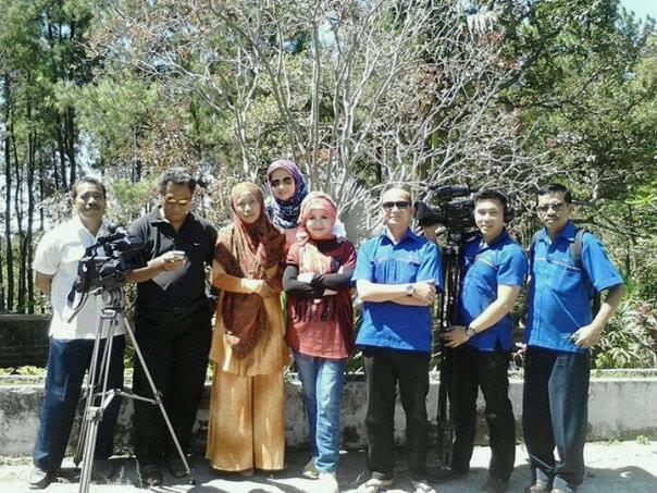 Bersama Kru TVRI Jawa Timur di Villa Doa Yatim Sejahtera - Pacet Mojokerto